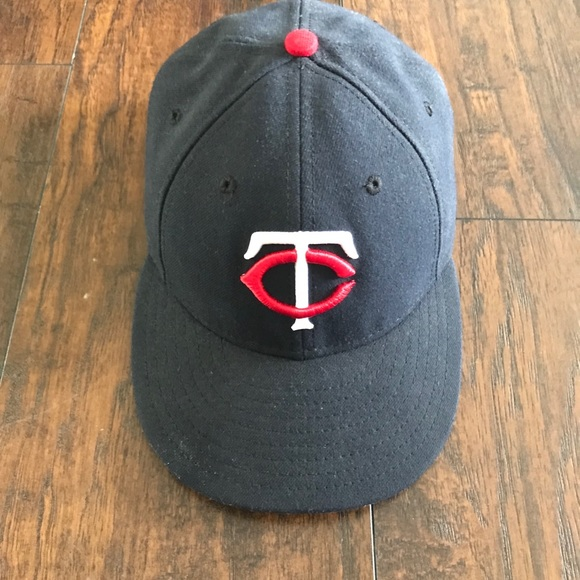 32d6e1d74a2 Minnesota Twins Low Profile New Era 59Fifty Hat. M 5ac6a5e22ab8c53de7a7ee87